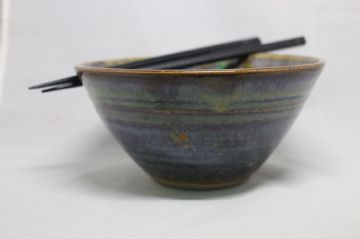 Joe Finch - Powlen Weillen-fwyta | Chopstick Bowl